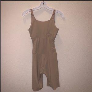 Maidenform Shapewear Bodysuit Nude Size Small
